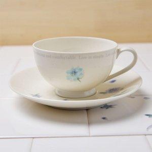 Shinzi Katoh シンジカトウ デザイン 花言葉「夢かなう」<br>ブルーのローズ柄がお洒落なコーヒー紅茶兼用<br>ブルーローズシリーズ ROSEカップ&ソーサー 美濃焼 日本製