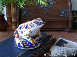 "<img class='new_mark_img1' src='https://img.shop-pro.jp/img/new/icons48.gif' style='border:none;display:inline;margin:0px;padding:0px;width:auto;' />Royal Crown Derby ""Old Imari""Frog Paperweight"