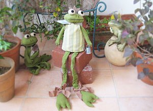 Gardening Frog Stuffing Dall from hungary