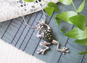 Frog with Rhinestone Pendant Top from Poland