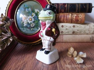 <img class='new_mark_img1' src='//img.shop-pro.jp/img/new/icons48.gif' style='border:none;display:inline;margin:0px;padding:0px;width:auto;' />Vintage Frog Figure