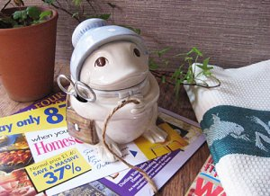 Vintage FITZ&FLOYD Frog String Dispenser