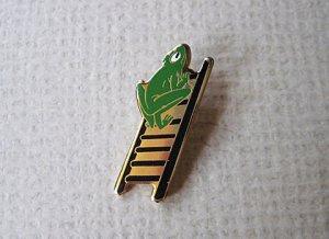 Vintage Frog Pin Brooch