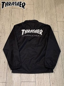 <img class='new_mark_img1' src='//img.shop-pro.jp/img/new/icons1.gif' style='border:none;display:inline;margin:0px;padding:0px;width:auto;' />THRASHER (スラッシャー) HOMETOWN POCKET COACH JACKET (コーチジャケット) Black