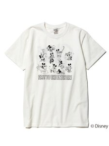 <img class='new_mark_img1' src='https://img.shop-pro.jp/img/new/icons1.gif' style='border:none;display:inline;margin:0px;padding:0px;width:auto;' />CALEE (キャリー) ×DISNEY/Multi player t-shirt (ディズニー コラボレーション S/S プリント Tシャツ) White