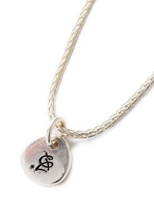 <img class='new_mark_img1' src='https://img.shop-pro.jp/img/new/icons1.gif' style='border:none;display:inline;margin:0px;padding:0px;width:auto;' />CALEE (キャリー) Logo charm bracelet (ロゴチャーム ブレスレット) Silver
