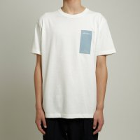 <img class='new_mark_img1' src='//img.shop-pro.jp/img/new/icons13.gif' style='border:none;display:inline;margin:0px;padding:0px;width:auto;' />dilemma / 19SS Logo Tshirt (White)