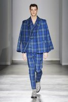 <img class='new_mark_img1' src='//img.shop-pro.jp/img/new/icons13.gif' style='border:none;display:inline;margin:0px;padding:0px;width:auto;' />JieDa / TARTAN CHECK TUCK SLACKS (NAVY)