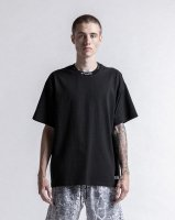 <img class='new_mark_img1' src='https://img.shop-pro.jp/img/new/icons13.gif' style='border:none;display:inline;margin:0px;padding:0px;width:auto;' />STAMPD / Gale Tee (Black)