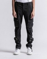 <img class='new_mark_img1' src='https://img.shop-pro.jp/img/new/icons13.gif' style='border:none;display:inline;margin:0px;padding:0px;width:auto;' />STAMPD / Eisen Cargo Pants (Black)