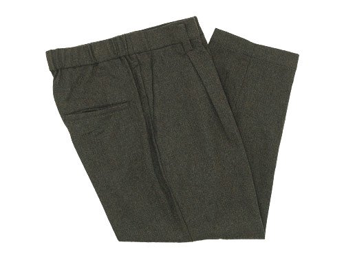 TOUJOURS Tapered Tuck Trousers OLIVE BROWN 【TM27RP03】