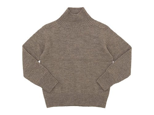 MHL. BRITISH MERINO SADDLE SLEEVE ROLL NECK KNIT 042BEIGE〔レディース〕