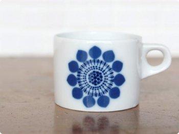 花模様のカップ