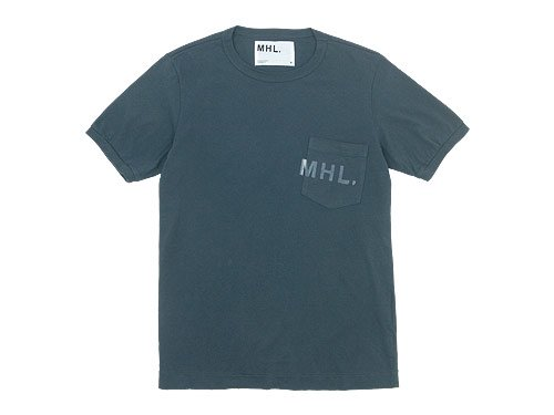 MHL. PRINTED JERSEY LOGO T 023CHARCOAL〔メンズ〕