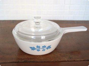 磁器の片手鍋