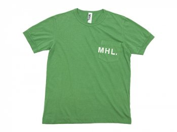 MHL. PRINTED JERSEY LOGO T 140MOSS GREEN 〔メンズ〕