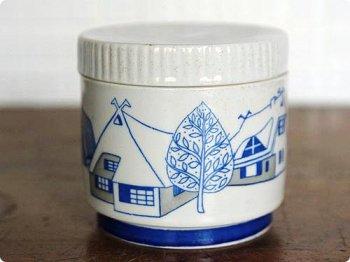 陶器の容れもの