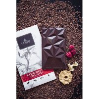 LA NAYA chocolateラズベリーとパイナップルのダークチョコレート(カカオ65%)<img class='new_mark_img2' src='//img.shop-pro.jp/img/new/icons13.gif' style='border:none;display:inline;margin:0px;padding:0px;width:auto;' />