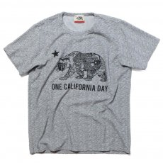 ONE CALIFORNIA DAY PILE PRINT TEE (BEAR)