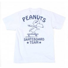 "PEANUTS SNOOPY ""SKATEBOARD TEAM"" TEE"
