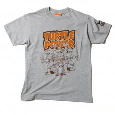 <img class='new_mark_img1' src='//img.shop-pro.jp/img/new/icons20.gif' style='border:none;display:inline;margin:0px;padding:0px;width:auto;' />【Teenage Mutant Ninja TURTLES】PRINT TEE - タートルズ プリント Tシャツ(ベンチアットザグリーン限定)