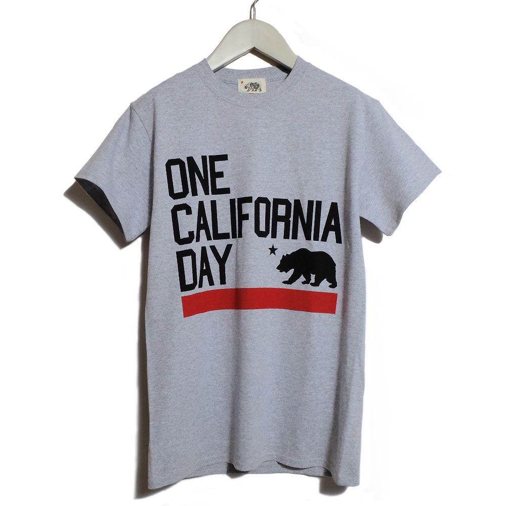 【ONE CALIFORNIA DAY - LINE PRINT TEE】- プリントTシャツ