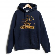 "<img class='new_mark_img1' src='//img.shop-pro.jp/img/new/icons14.gif' style='border:none;display:inline;margin:0px;padding:0px;width:auto;' />PEANUTS SNOOPY ""CALIFORNIA SK8 "" HOODIE"