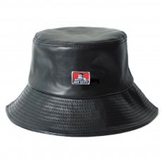<img class='new_mark_img1' src='https://img.shop-pro.jp/img/new/icons12.gif' style='border:none;display:inline;margin:0px;padding:0px;width:auto;' />【FAUX LEATHER BUCKET HAT】合皮バケットハット